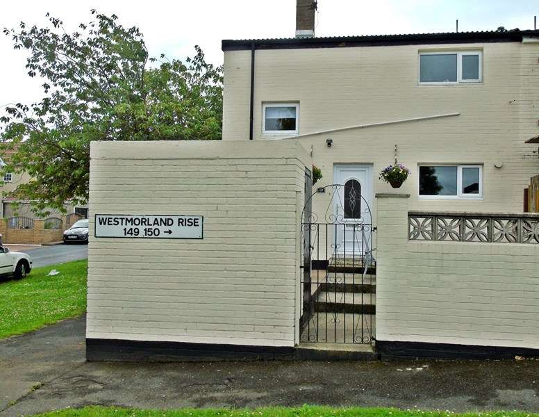 2 Bedrooms Property for sale in Westmorland Rise, Peterlee, Peterlee, Durham, SR8 2EU