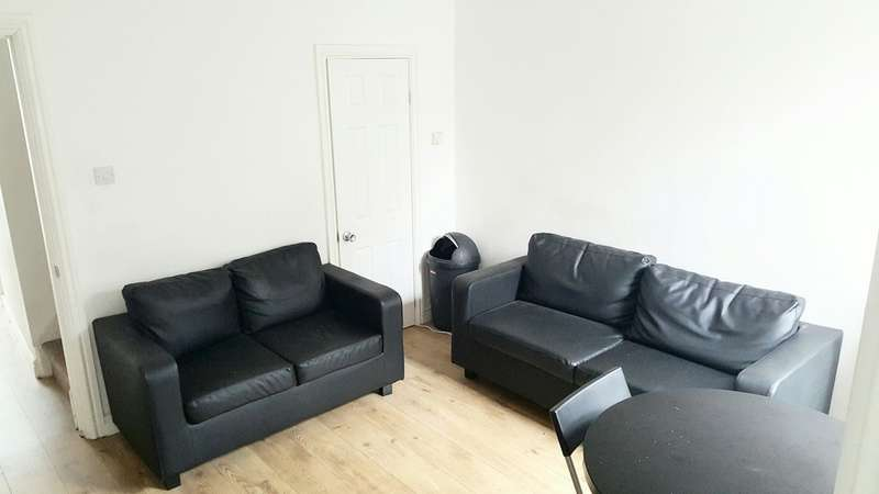 5 Bedrooms Detached House for rent in Bristol Road, Earlsdon, Coventry