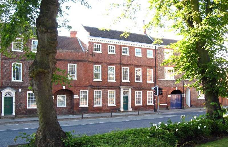2 Bedrooms Apartment Flat for rent in Middleton House, Monkgate, York, YO31 7PF