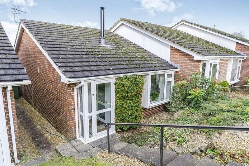 2 Bedrooms Semi Detached Bungalow for sale in Field End, Kings Worthy, Winchester, SO23