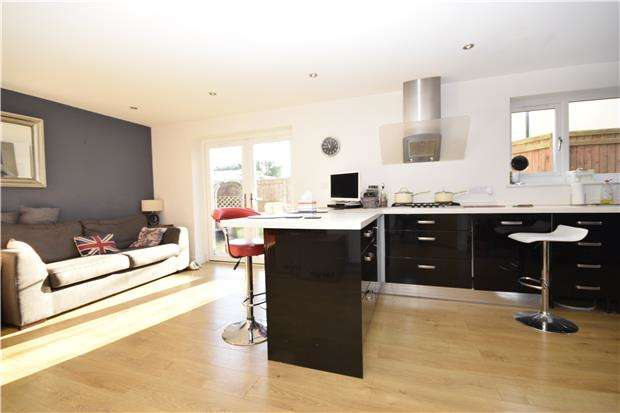3 Bedrooms Detached House for rent in Maple Drive, Charlton Kings, CHELTENHAM, Gloucestershire, GL53