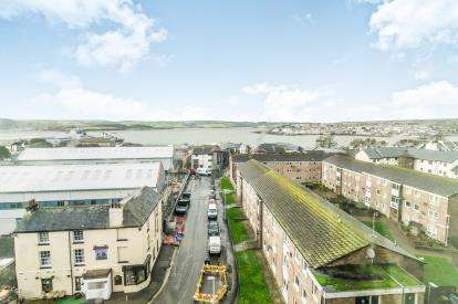 2 Bedrooms Flat for sale in Granby Way, Plymouth, Devon