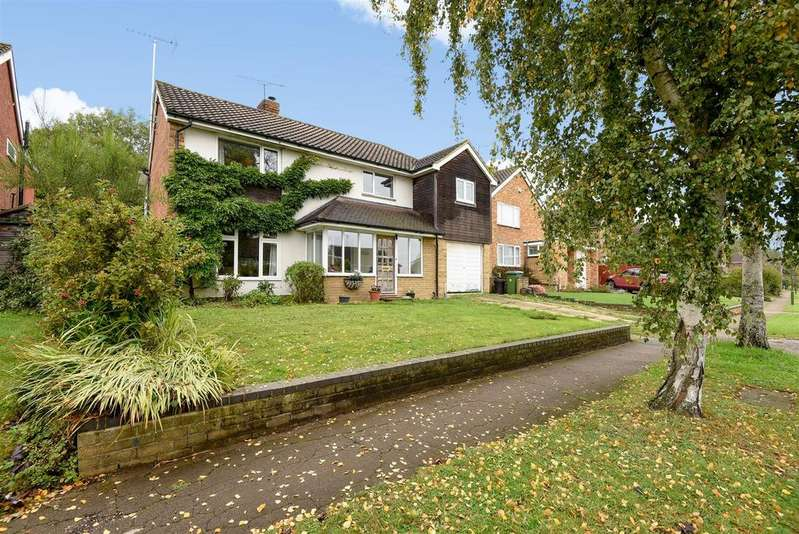 4 Bedrooms Detached House for sale in Dalloway Road, Arundel