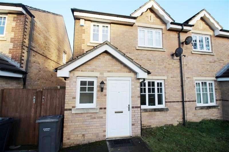 3 Bedrooms Semi Detached House for sale in Yewdall Way, Idle, BD10