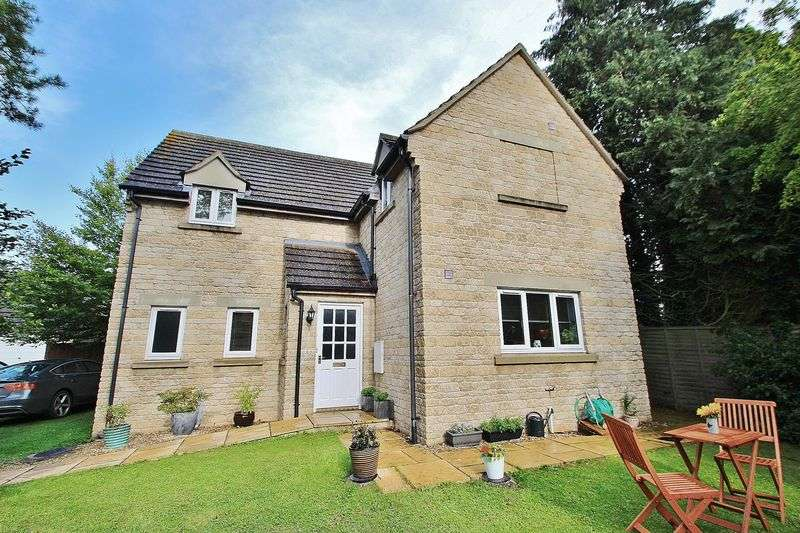 4 Bedrooms Property for sale in Monks Close, Carterton