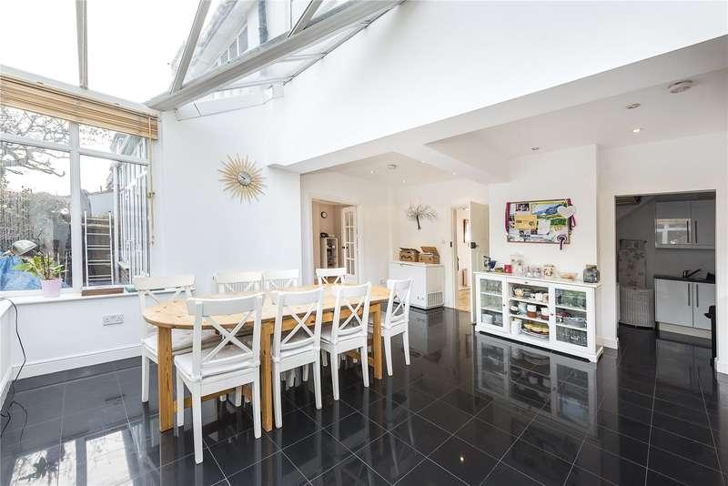 5 Bedrooms Semi Detached House for sale in Wellesley Road, Twickenham, TW2