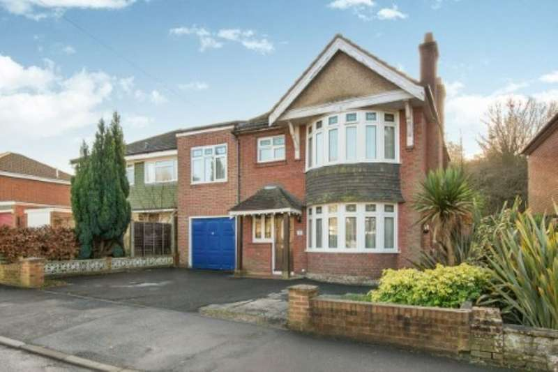 4 Bedrooms Detached House for sale in Redhill Close, Southampton, SO16