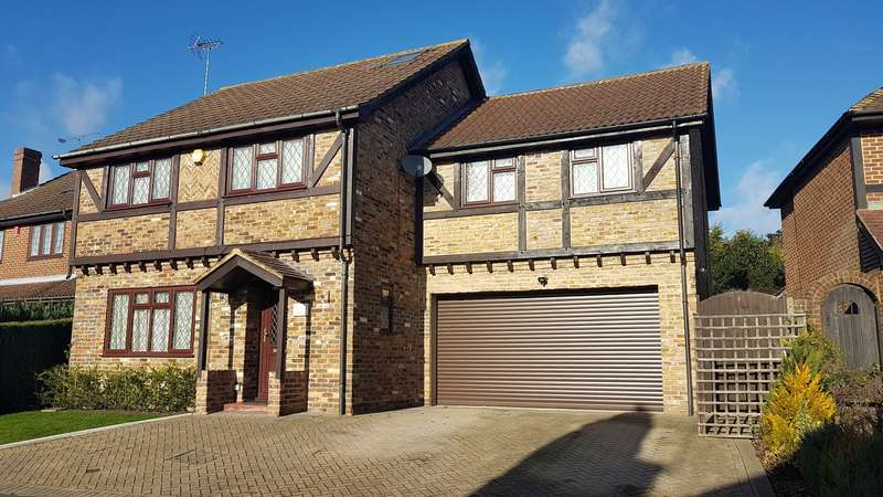 4 Bedrooms Detached House for sale in Martins Heron