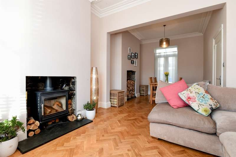 3 Bedrooms Terraced House for sale in Railway Terrace, Penarth