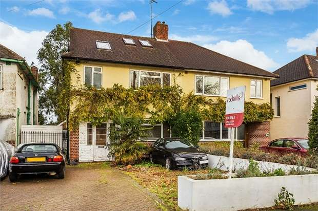 4 Bedrooms Semi Detached House for sale in Walton Road, WEST MOLESEY, Surrey