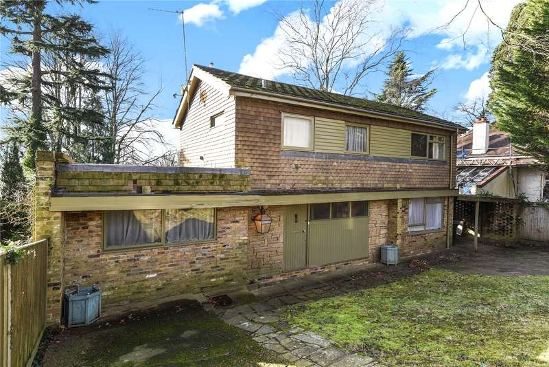 3 Bedrooms Detached House for sale in The Drive, Rickmansworth, Hertfordshire, WD3