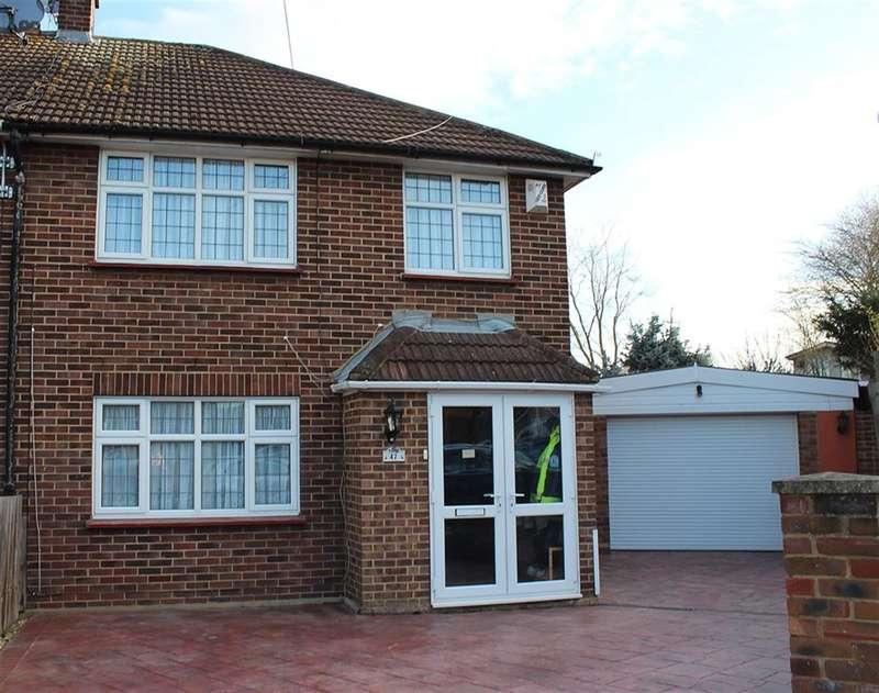 3 Bedrooms Semi Detached House for sale in Highbanks Close, Welling, Kent, DA16 3ES