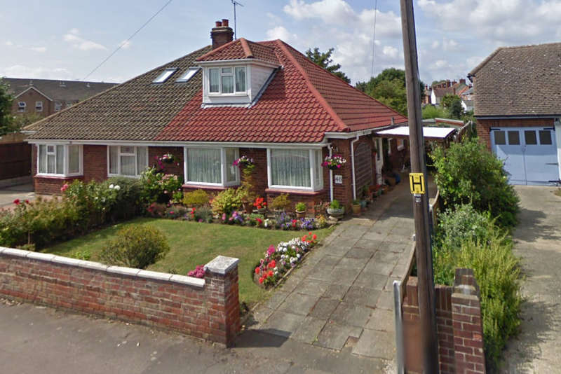 3 Bedrooms Semi Detached Bungalow for sale in Eastern Road, Burnham-on-Crouch