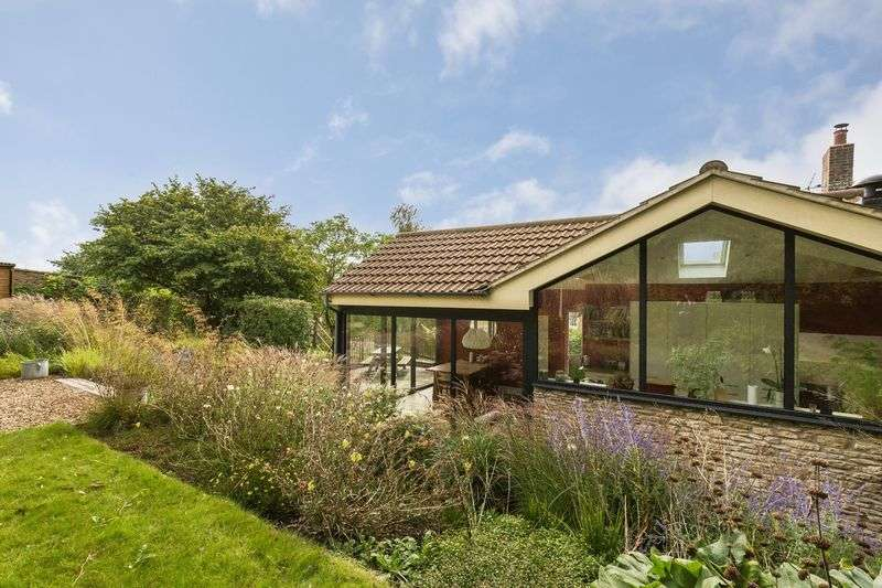 3 Bedrooms Property for sale in Lower Street Buckland Dinham, Frome