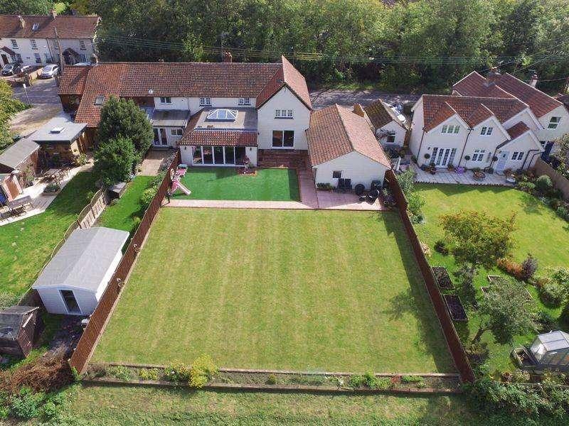 4 Bedrooms Semi Detached House for sale in The Street, Sheering, Bishops Stortford
