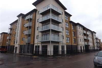 2 Bedrooms Flat for rent in Regent House, Strood