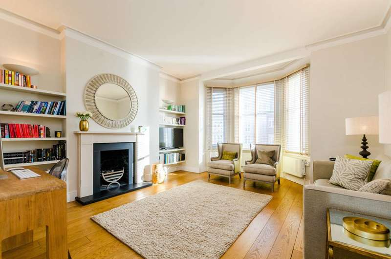 2 Bedrooms Flat for sale in Fulham Road, Chelsea, SW10