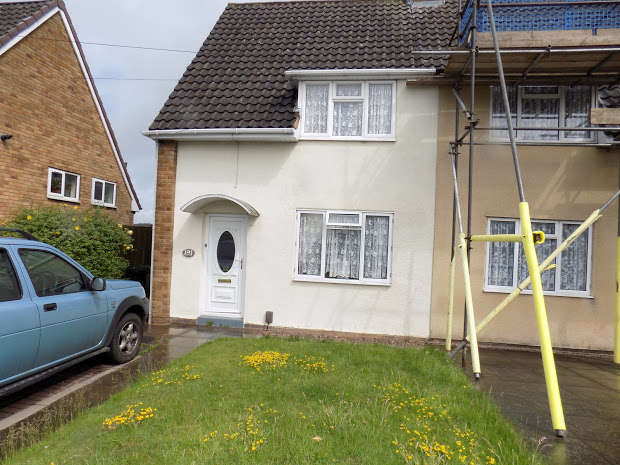 2 Bedrooms Semi Detached House for rent in Ashenhurst Road, Dudley, DY1
