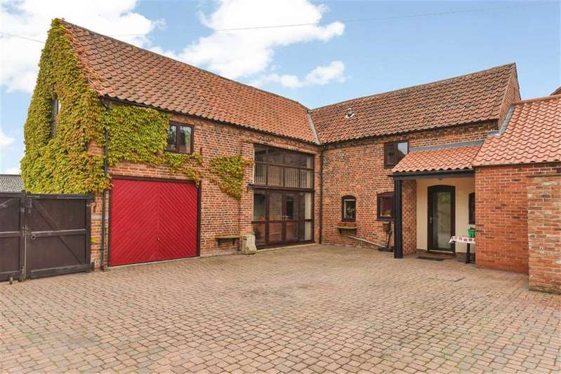 3 Bedrooms Semi Detached House for sale in Main Street, Hayton, Retford, Nottinghamshire