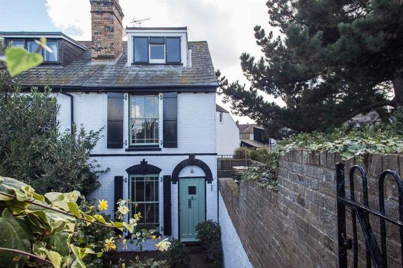3 Bedrooms Semi Detached House for sale in Harbour Street, Whitstable