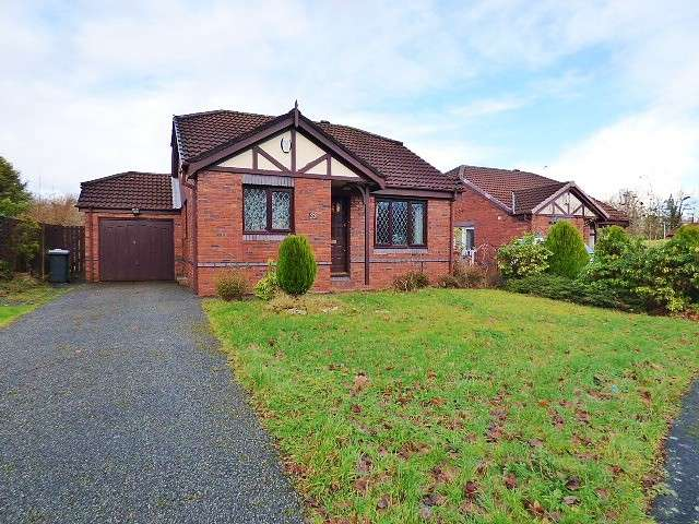 2 Bedrooms Detached Bungalow for sale in Ladywood Road, Old Hall, Warrington