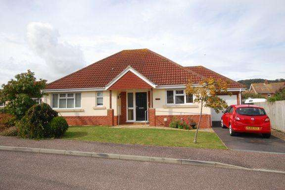 3 Bedrooms Detached Bungalow for sale in Minehead