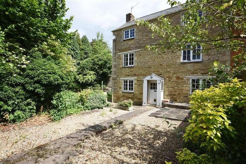 4 Bedrooms Semi Detached House for sale in Wood Street, Geddington, Kettering