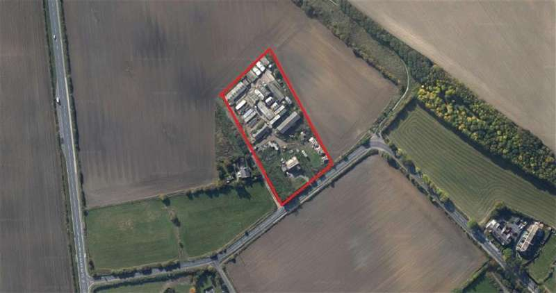 3 Bedrooms Land Commercial for sale in Wood Lane, NEWMILLERDAM, Wakefield, WF2
