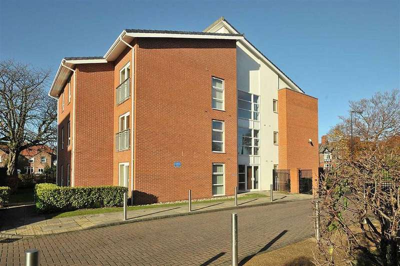 2 Bedrooms Apartment Flat for sale in Romana Square, Timperley