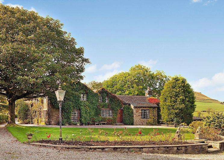 6 Bedrooms Unique Property for sale in Helmshore, Rossendale, Lancashire, BB4
