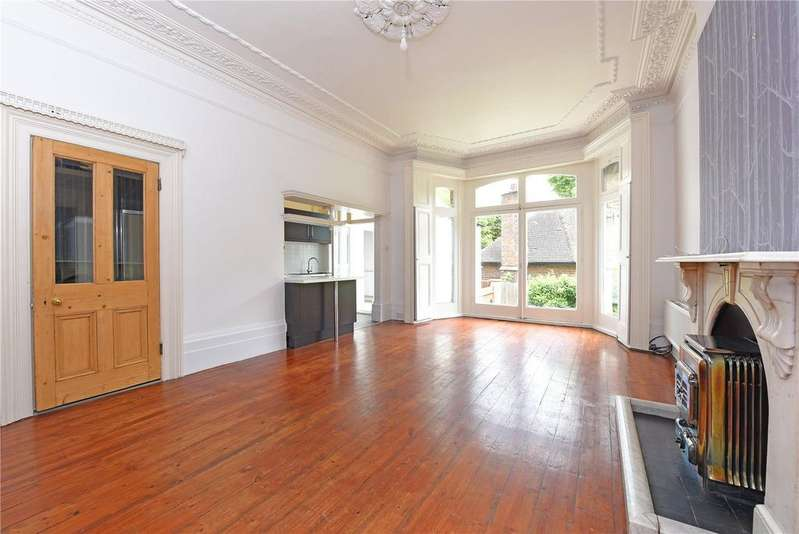 3 Bedrooms Maisonette Flat for sale in Gressenhall Road, Putney, London, SW18
