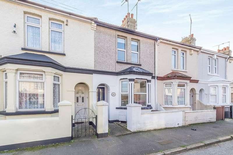 4 Bedrooms Property for rent in Strover Street, Gillingham, ME7