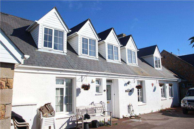 3 Bedrooms Flat for sale in Les Landes Cottages, La Route De La Villaise, St. Ouen, Jersey, JE3