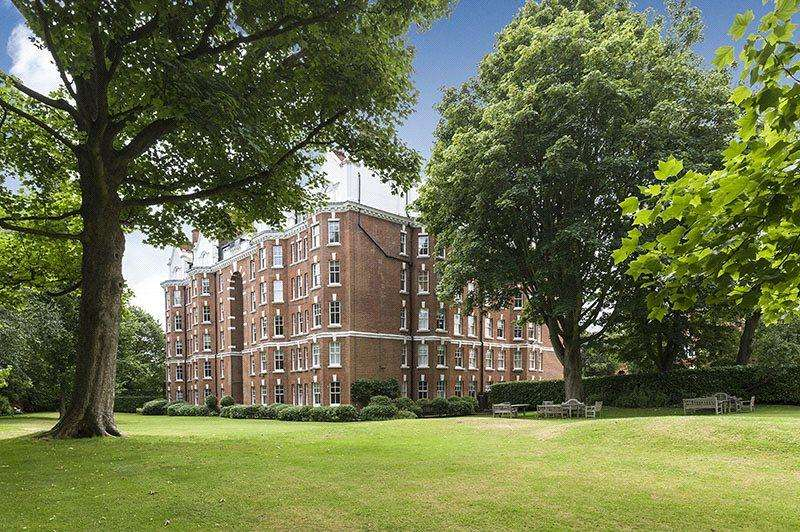 4 Bedrooms Maisonette Flat for sale in The Pryors, East Heath Road, Hampstead, London, NW3