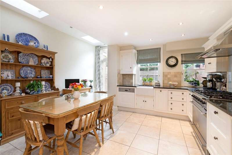 4 Bedrooms Terraced House for sale in Clonmel Road, Fulham, London, SW6