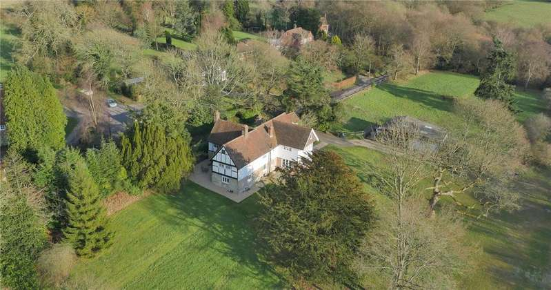 5 Bedrooms Detached House for sale in Yew Tree Lane, Rotherfield, Crowborough, East Sussex, TN6
