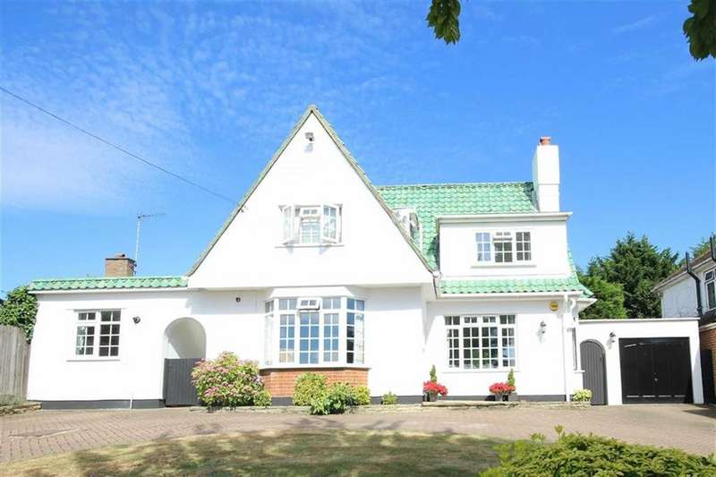 5 Bedrooms Detached House for sale in Park Road, New Barnet, Hertfordshire