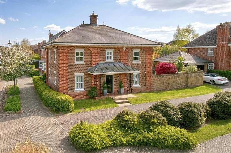 4 Bedrooms Detached House for sale in Braeburn Way, Kings Hill, ME19 4BG