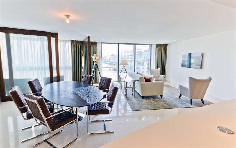 3 Bedrooms Flat for rent in The Tower, One St George Wharf, Nine Elms, London SW8