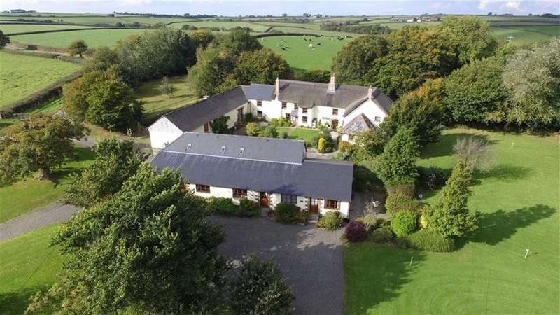 10 Bedrooms Detached House for sale in Ashreigney, Chulmleigh, EX18