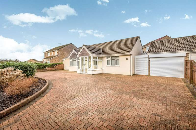 3 Bedrooms Detached Bungalow for sale in Green Park, Talbot Green, Pontyclun