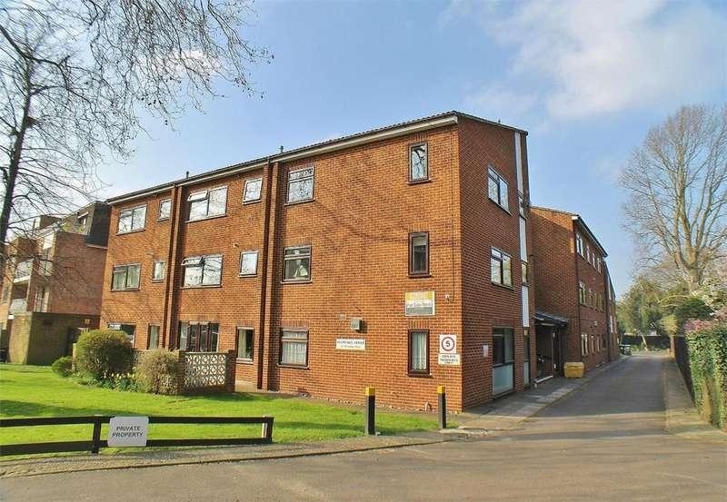 1 Bedroom Retirement Property for sale in Holmoaks House, 47 Bromley Road, Beckenham