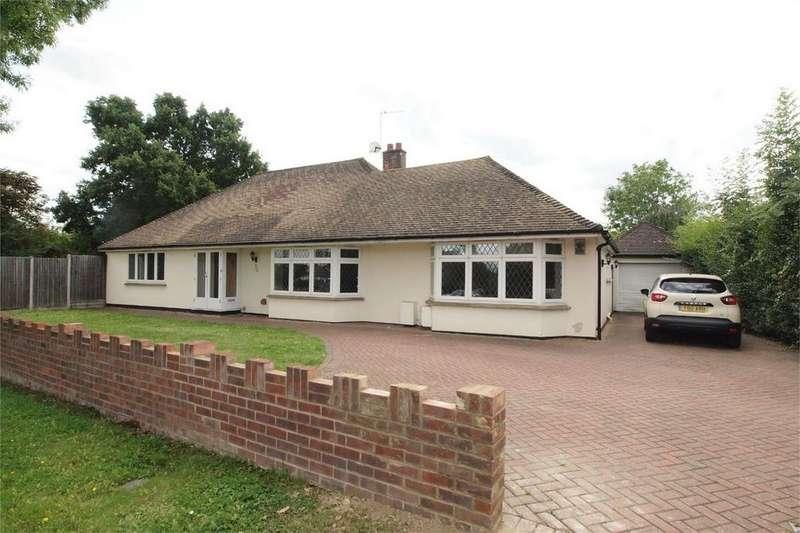 4 Bedrooms Detached Bungalow for sale in Hayes Lane, Beckenham, Kent