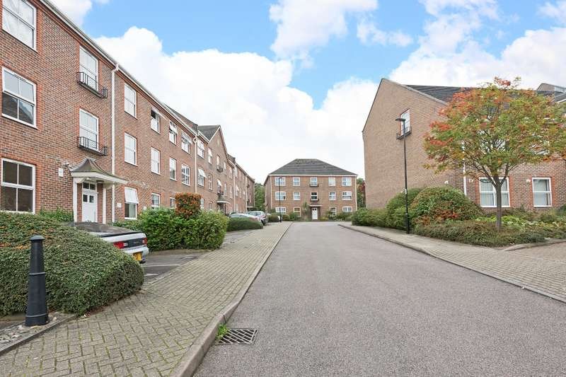 1 Bedroom Ground Flat for sale in Paxton Road, Forest Hill, SE23
