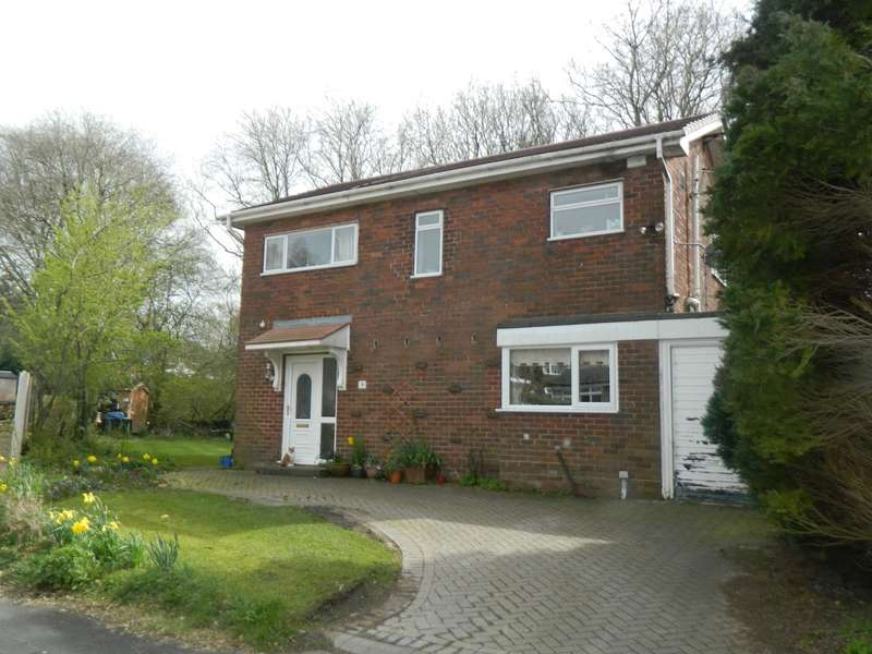 4 Bedrooms Detached House for sale in Briery Avenue, Bolton, BL2