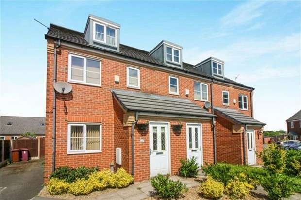 3 Bedrooms Semi Detached House for sale in Balmoral Close, Blackburn, Lancashire