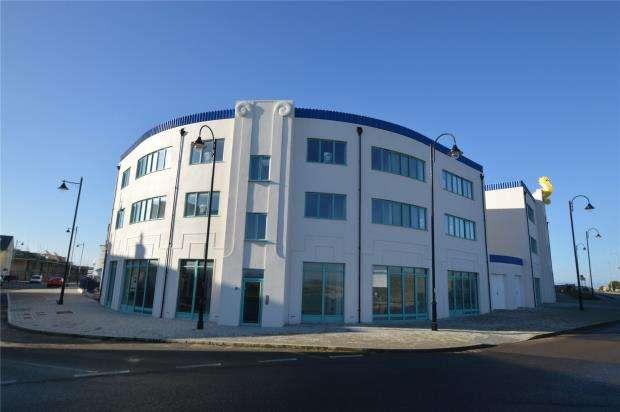 2 Bedrooms Flat for sale in Chi Morvargh, Kresennik Pennfenten, Nansledan, Newquay