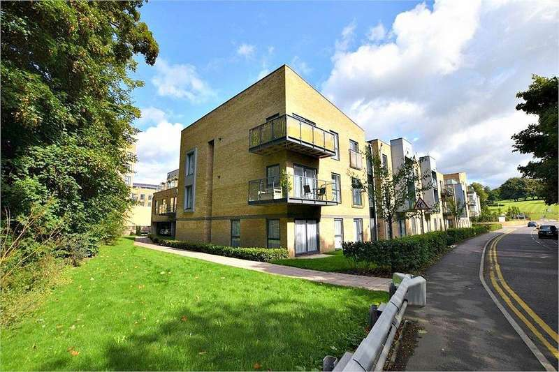 2 Bedrooms Flat for sale in Mill House, Rose Lane, Nash Mills Wharf, Hertfordshire
