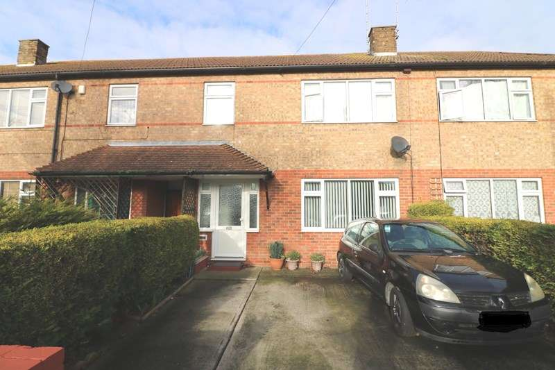 3 Bedrooms Terraced House for sale in Southend on Sea