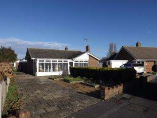 2 Bedrooms Bungalow for sale in Ormesby Crescent, Felpham